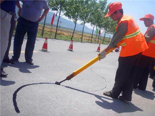 道路灌缝胶灌缝施工