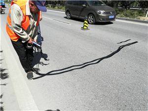嘉格沥青公路贴缝带成为众多客户认可的裂缝修补产品
