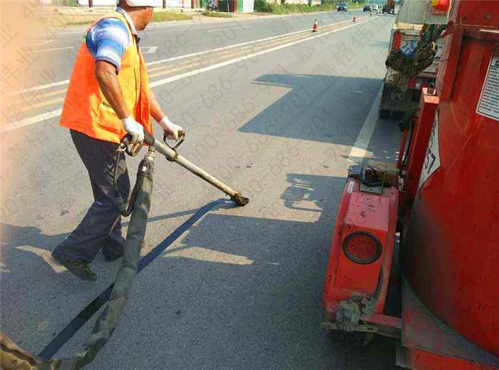 抓住四个细节精选出好的水泥路面灌缝胶厂家