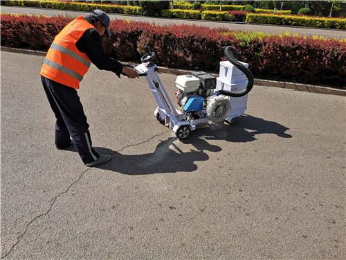 这里汇集了众多客户对嘉格道路路面灌缝胶的认可