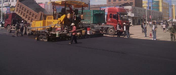 水泥路面加铺橡胶沥青混凝土(白改黑工程)