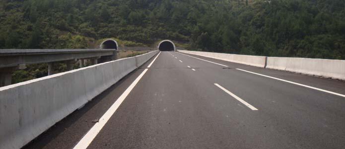 抗车辙型橡胶沥青混凝土路面方案
