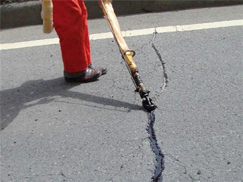 沥青路面灌缝胶价格影响因素有哪些